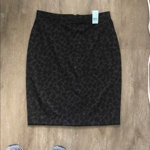 Leopard Ann Taylor pencil skirt